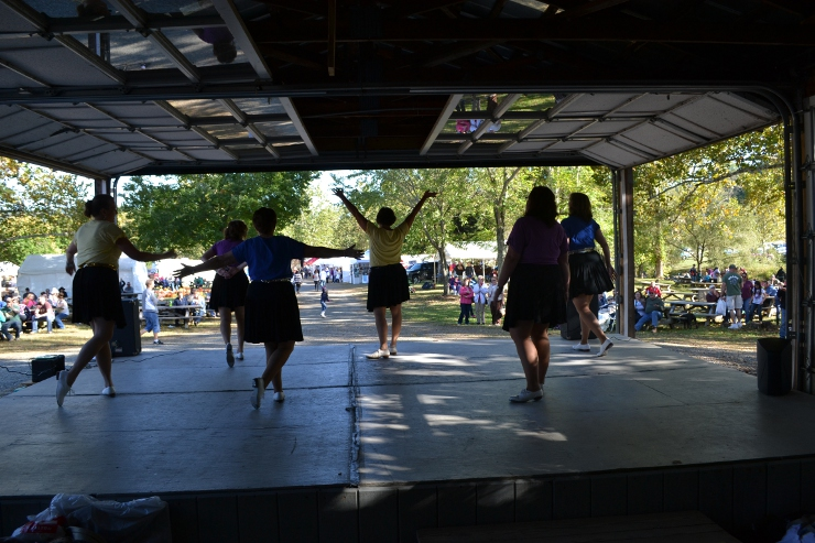 Skyline Country Cloggers at Graves  Mountain Lodge Apple Harvest Festival